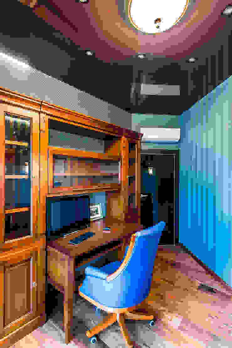 Квартира в ЖК <q>КОСМОС</q> Рабочий кабинет в классическом стиле от Belimov-Gushchin Andrey Классический