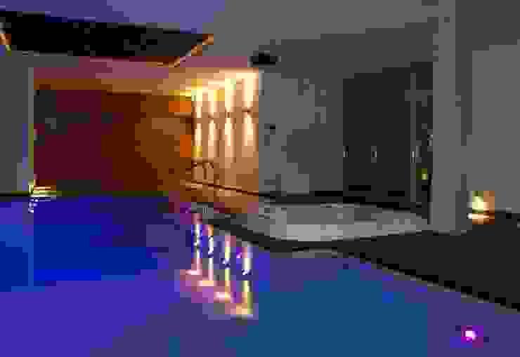 Dom z basenem w Krakowie Nowoczesny basen od Architektura Wnętrz Daria Zaremba Nowoczesny