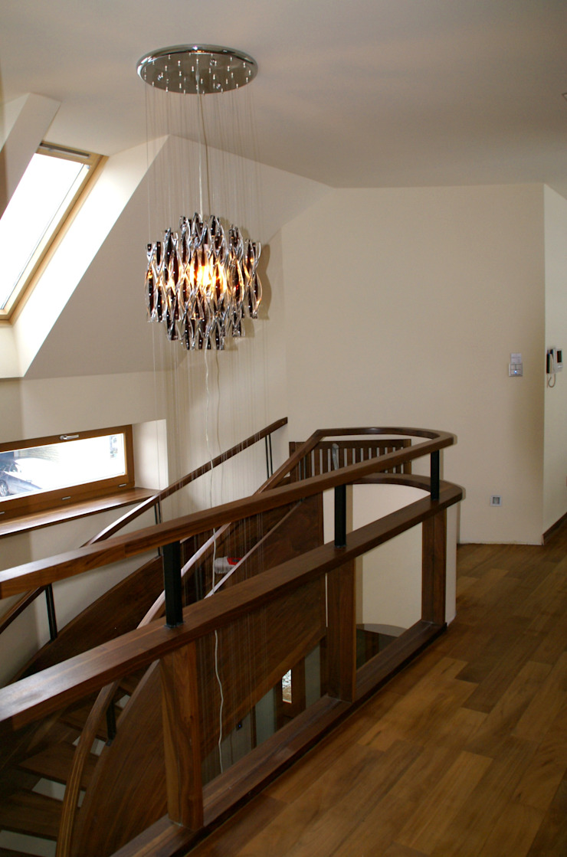 Dom z basenem w Krakowie Nowoczesny korytarz, przedpokój i schody od Architektura Wnętrz Daria Zaremba Nowoczesny