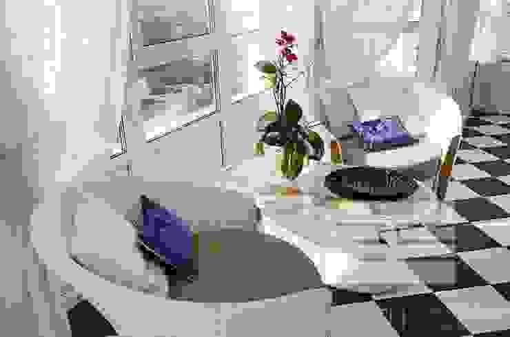Дизайн интерьера квартиры, ЖК GOLDEN PARK Балкон и терраса в стиле модерн от ELIZABETH STUDIO DESIGN Модерн