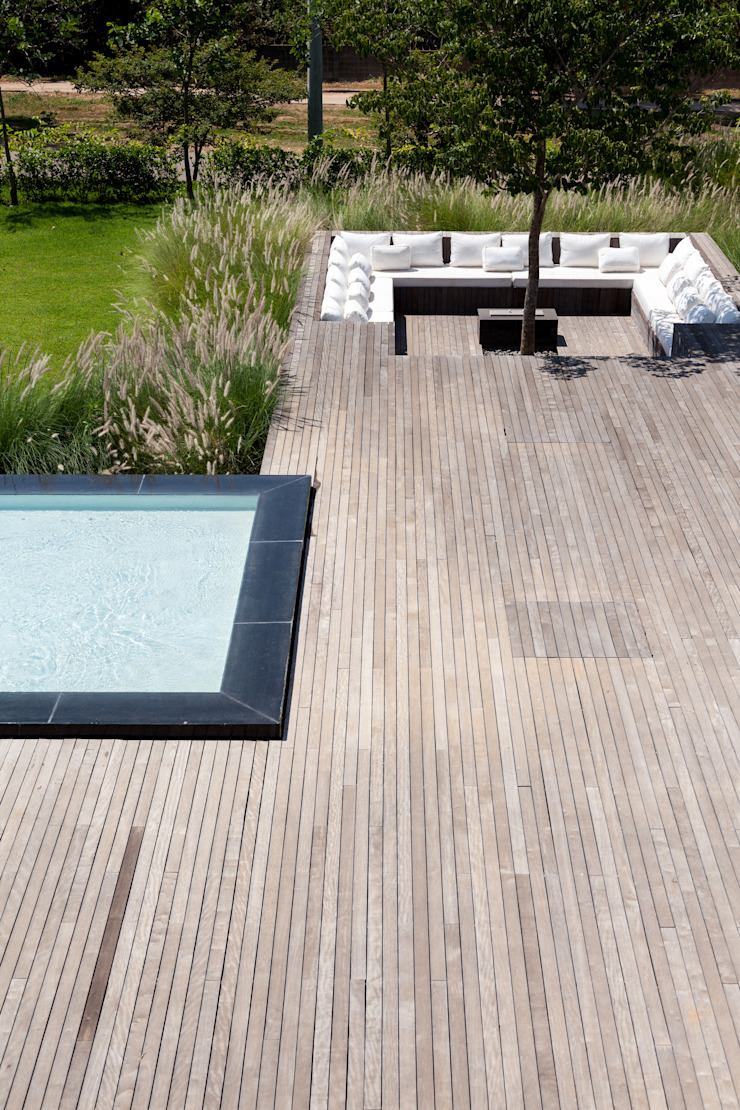 Casa em Itu Piscinas minimalistas por Consuelo Jorge Arquitetos Minimalista