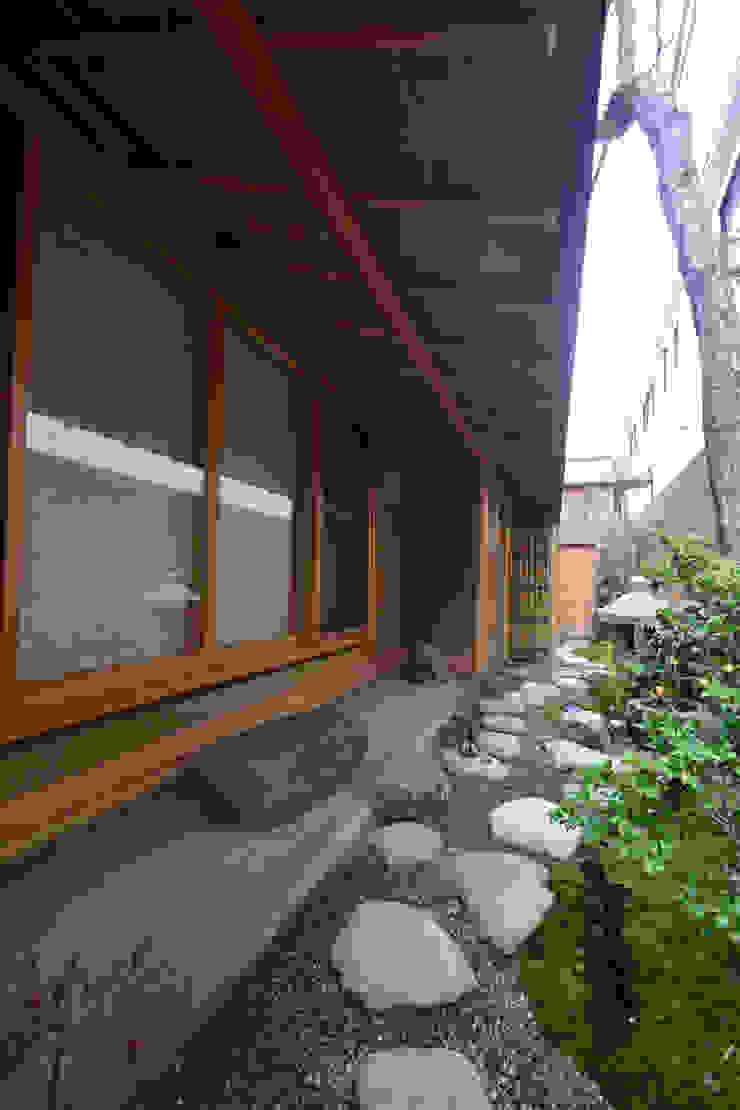 和田山の数寄屋 和風デザインの テラス の もやい建築事務所 和風