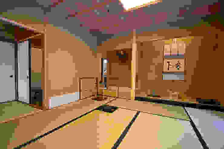 和田山の数寄屋 和風デザインの 多目的室 の もやい建築事務所 和風