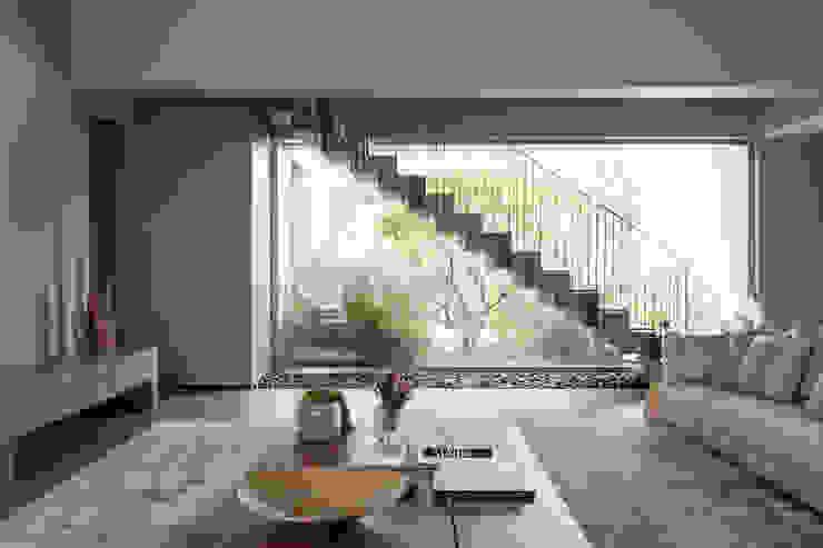 Minimalist corridor, hallway & stairs by Consuelo Jorge Arquitetos Minimalist