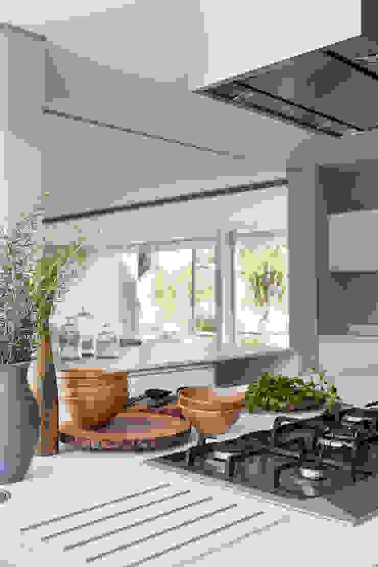 Casa em Itu Cozinhas minimalistas por Consuelo Jorge Arquitetos Minimalista