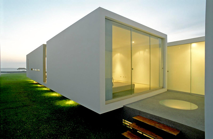 Minimalist windows & doors by Otium Minimalist