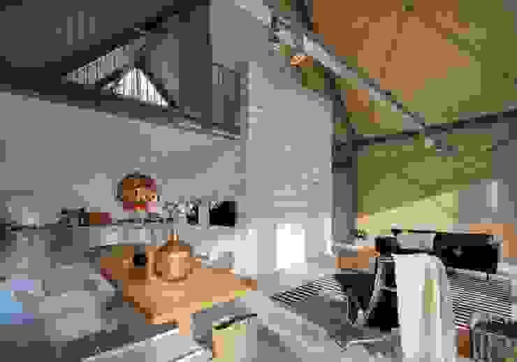 Modern living room by Blok Kats van Veen Architecten Modern