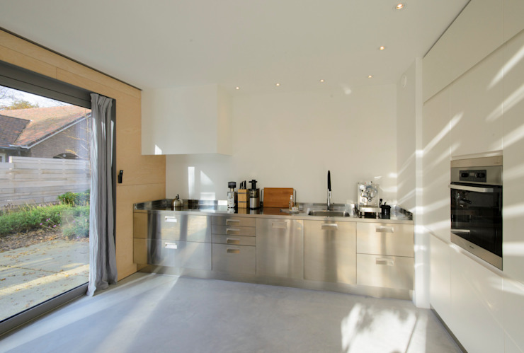 Modern kitchen by Blok Kats van Veen Architecten Modern