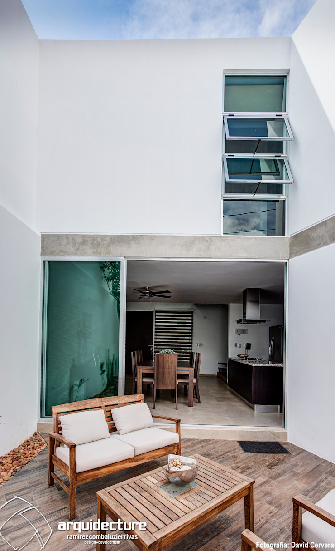 Adagio Arquitectos Balkon, Beranda & Teras Minimalis