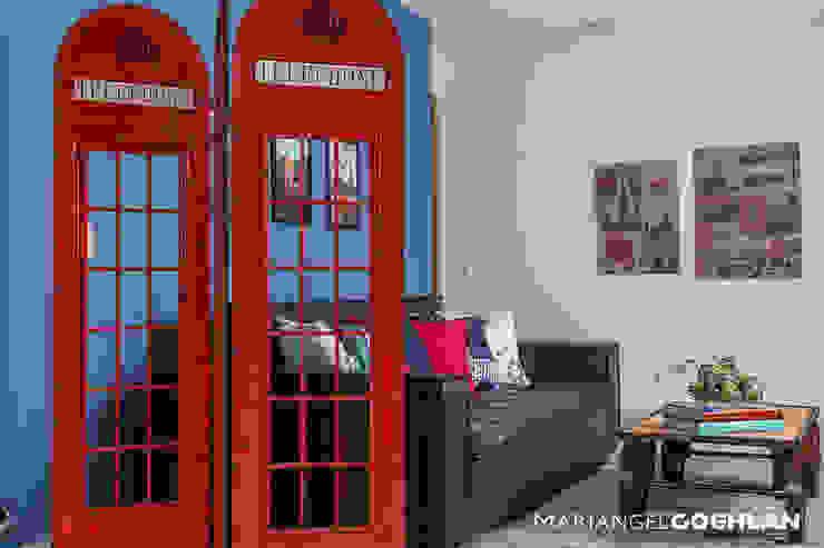 Salas multimédia modernas por MARIANGEL COGHLAN Moderno