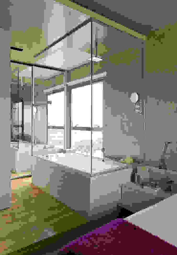 Vila Leopoldina Loft Banheiros modernos por DIEGO REVOLLO ARQUITETURA S/S LTDA. Moderno