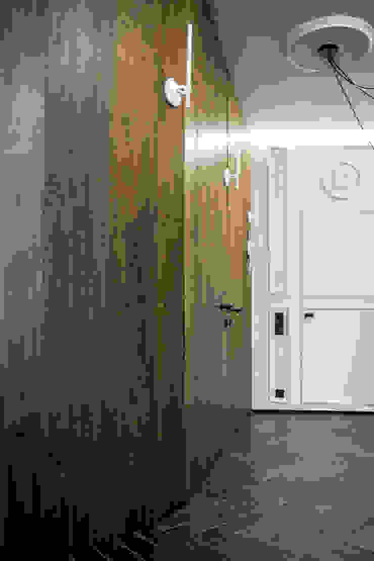Eclectic style corridor, hallway & stairs by ToTaste.studio Eclectic