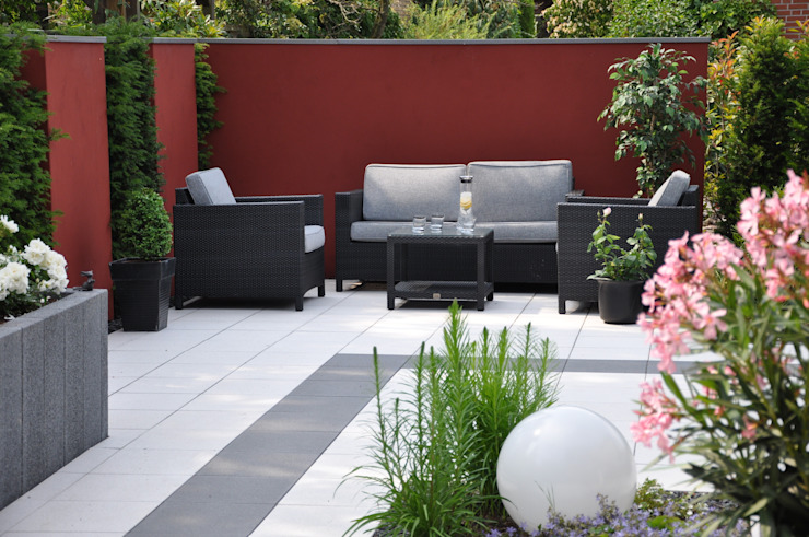 das Wohnzimmer draußen Moderner Garten von Ambiente Gartengestaltung Modern