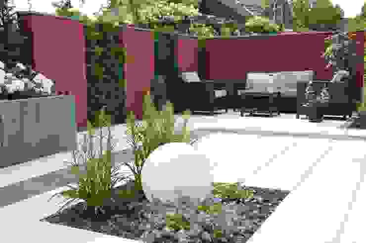 Taman Modern Oleh Ambiente Gartengestaltung Modern