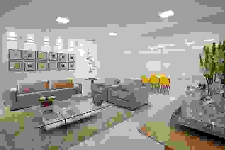 Apartamento do casal Salas de estar modernas por Cátia Bacellar Moderno