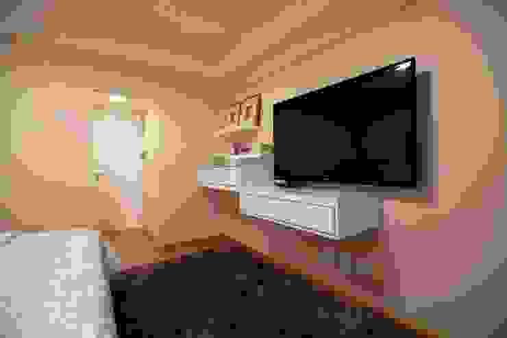 Apartamento do casal Quartos modernos por Cátia Bacellar Moderno