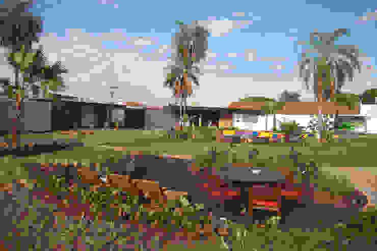 Refúgio Zen - Espaço Black Jardins modernos por Adines Ferreira Paisagismo Moderno