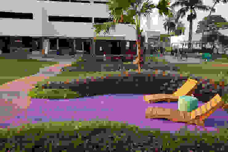 Refúgio Zen - Espaço Lilás: Jardins  por Adines Ferreira Paisagismo