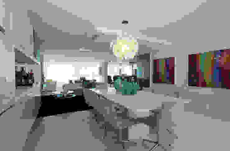 Apartamento Jovem casal Salas de jantar minimalistas por Celia Beatriz Arquitetura Minimalista