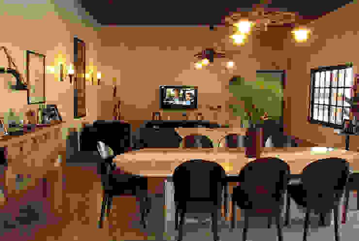 Nhà phong cách mộc mạc bởi Celia Beatriz Arquitetura Mộc mạc