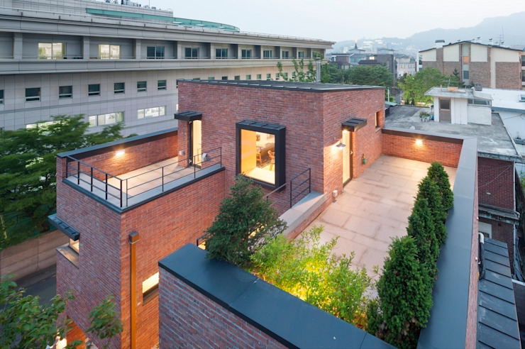 House in Hyojadong Seoul: minsoh의 현대 ,모던