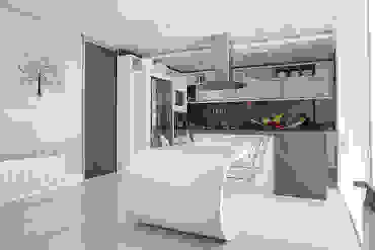 Residência Cozinhas modernas por Andreia Benini Arquiteta Moderno