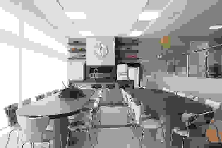 Residência Salas de jantar modernas por Andreia Benini Arquiteta Moderno