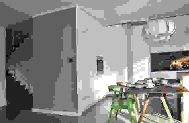 Mieszkanie dwupoziomowe w Kiełczowie Nowoczesna kuchnia od Pracownia Kaffka Nowoczesny