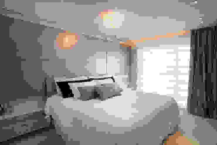 Residência Quartos modernos por Andreia Benini Arquiteta Moderno