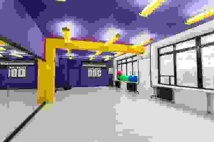 Танцевальная студия в Днепропетровске 380 м2 Школы в стиле лофт от NK design studio Лофт