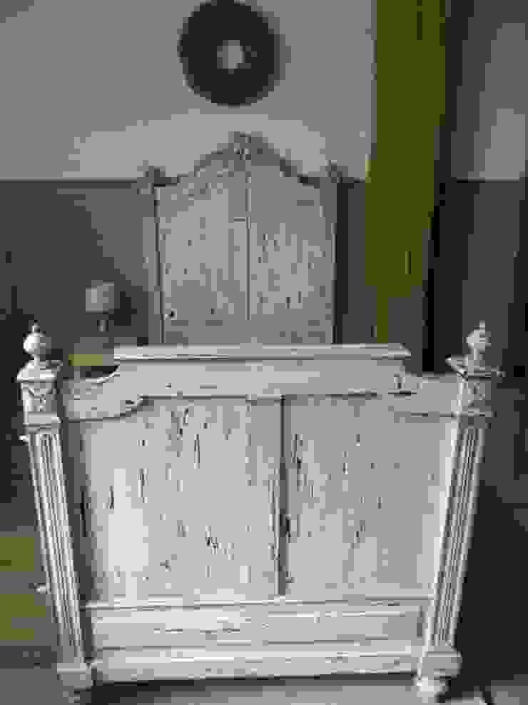 Oude brocante bedden van Were Home Rustiek & Brocante