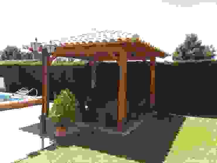 Classic style gardens by Ático y Jardín Classic