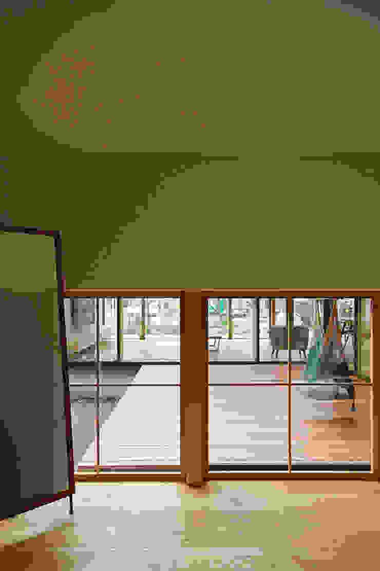 玄関 インダストリアルな 玄関&廊下&階段 の 空間建築-傳 インダストリアル