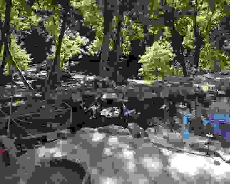 Строительство водоема и Патио + мангал:  в современный. Автор – Студия 'ART Story', Модерн