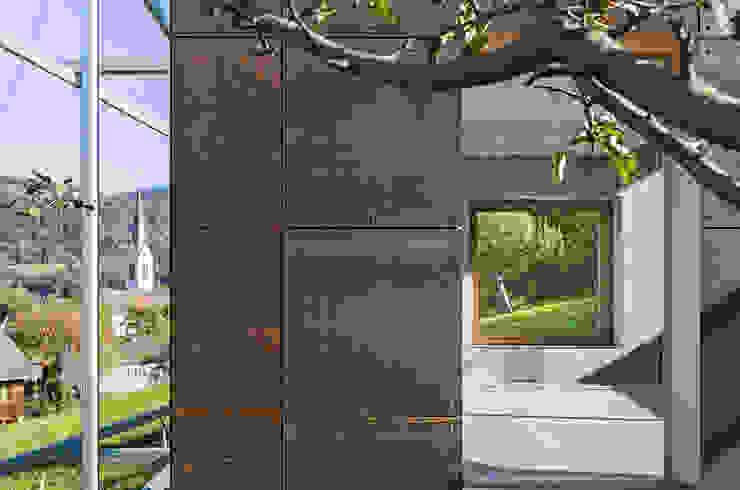 Metallfassade von Spiegel Fassadenbau Spiegel Fassadenbau Ausgefallene Häuser