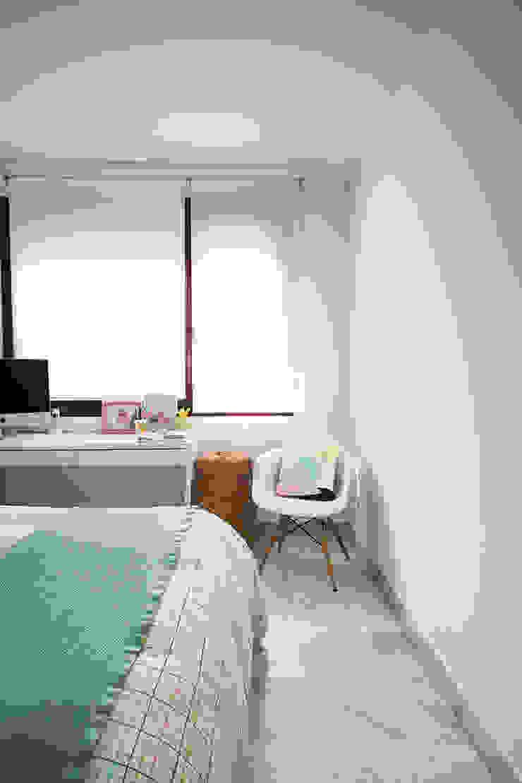 Detalle de dormitorio Dormitorios de estilo moderno de www.rocio-olmo.com Moderno