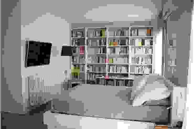 Habitación Suite Dormitorios de estilo moderno de SMMARQUITECTURA Moderno