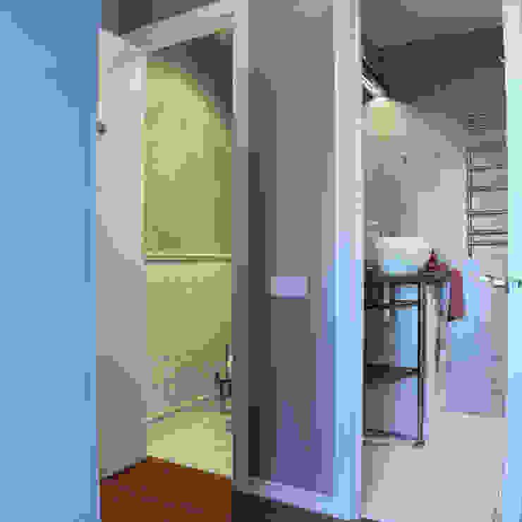 дизайн квартиры 40м2 Ванная комната в скандинавском стиле от sreda Скандинавский