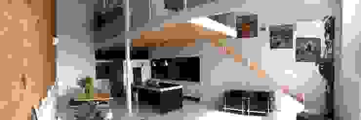 Loft Salones de estilo industrial de SMMARQUITECTURA Industrial