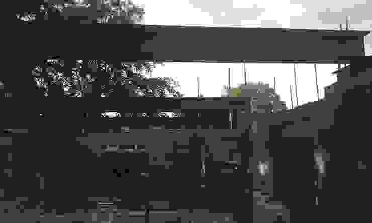 modern  by Citi Construction & Developments Ltd, Modern