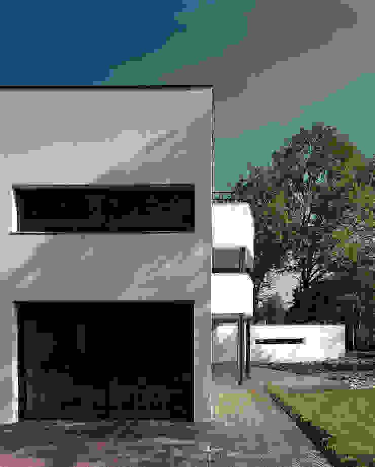 Zijgevel Moderne huizen van Lab32 architecten Modern