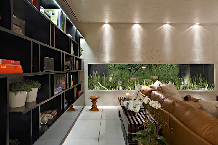 Soggiorno minimalista di Ana Paula Carneiro Arquitetura e Interiores Minimalista