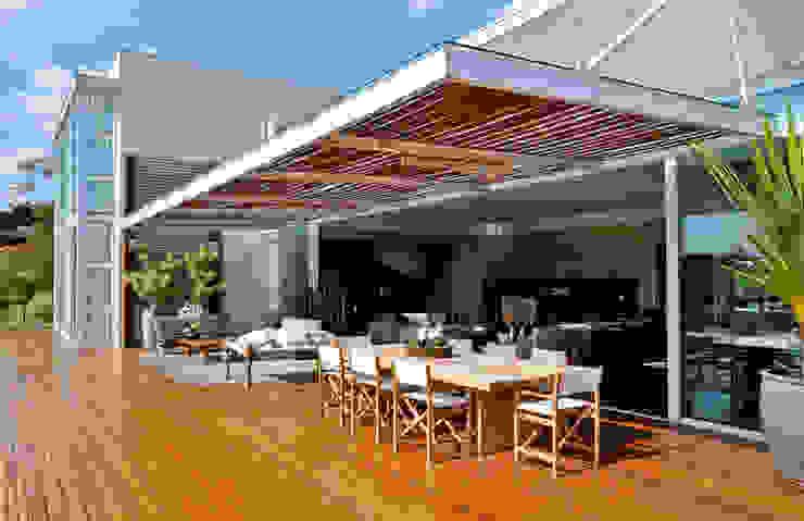 Pérgola Varandas, marquises e terraços modernos por Maurício Queiróz Moderno