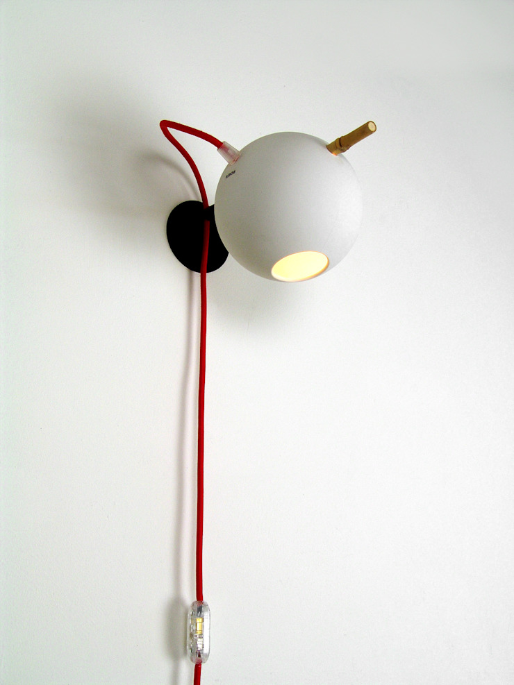 Bamboo wall light white inside and red powercord van Rebob Scandinavisch