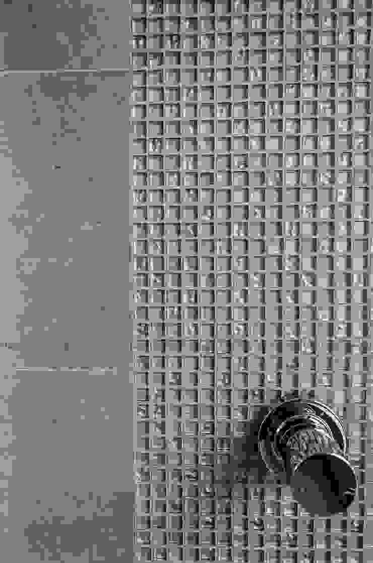 Przedwojenna kamienica Nowoczesna łazienka od Studio Malina Nowoczesny