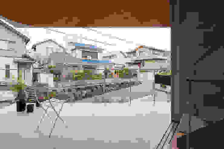あやめ池の家 モダンデザインの テラス の 小松一平建築設計事務所 モダン