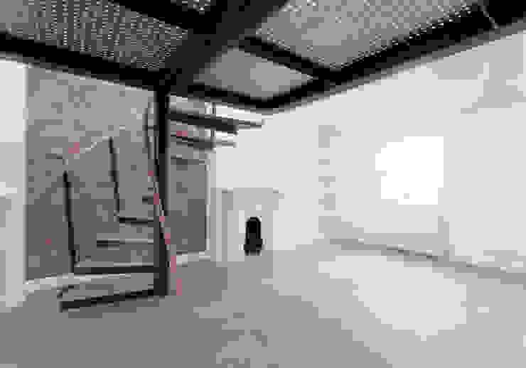 Under the Gallery Twist In Architecture Modern study/office