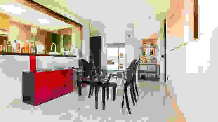 Acabados en zona de salón Salones de estilo minimalista de Empresa constructora en Madrid Minimalista