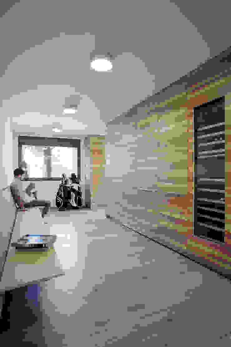 Casa Guadalmina Cocinas de estilo mediterráneo de MLMR Architecture Consultancy Mediterráneo