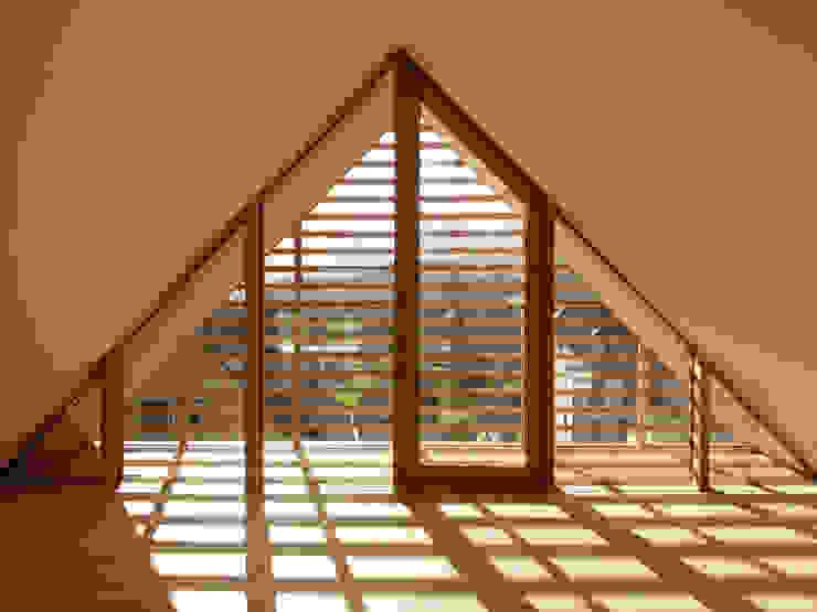 Wohnhaus in Gengenbach Moderne Wände & Böden von lehmann_holz_bauten Modern